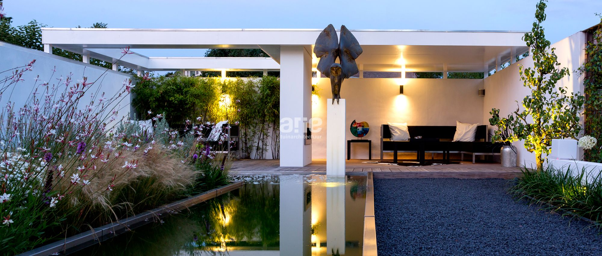 Tuinarchitect arie van der hout tuinontwerp tuinadvies for Moderne tuin met overkapping